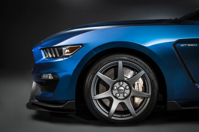 Ford Shelby GT350R Mustang carbon fiber wheel