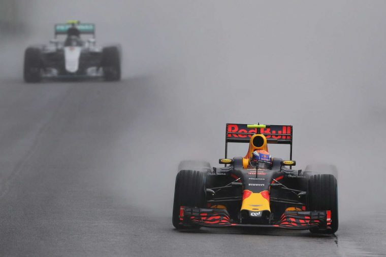 Max Verstappen leading Nico Rosberg at the 2016 Brazilian Grand Prix