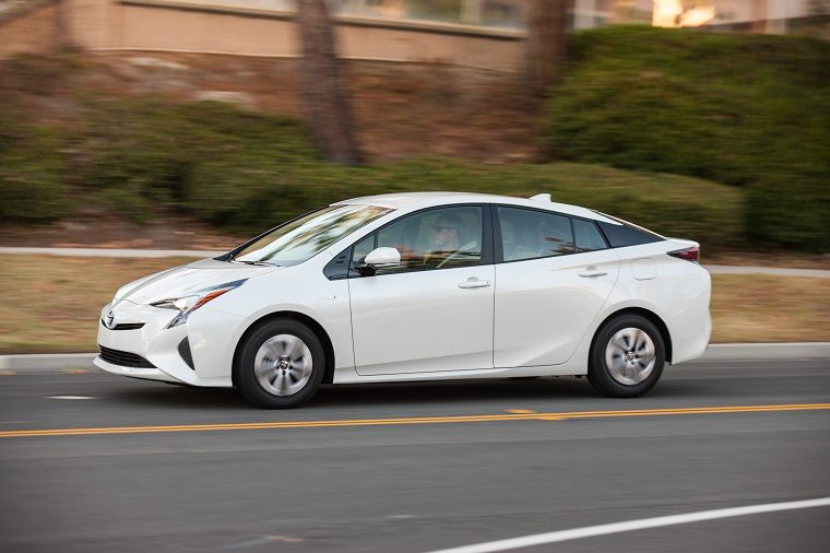 Toyota Prius Two Eco Is Good Housekeeping S Best New Hybrid Of