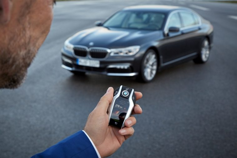 The specialized key fob of the BMW 7 Series