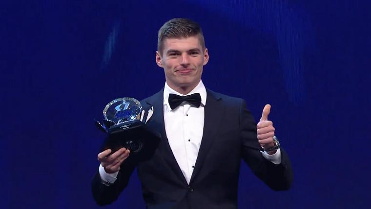 Max Verstappen accepts award