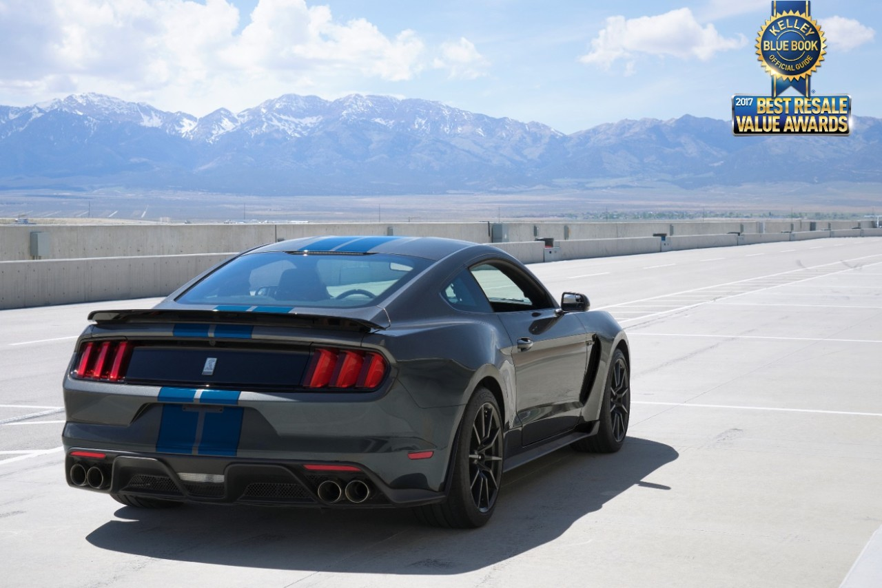 2017 ford shelby gt350 mustang wins kbb com best resale value award the news wheel