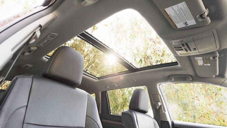 2017 Toyota Highlander interior