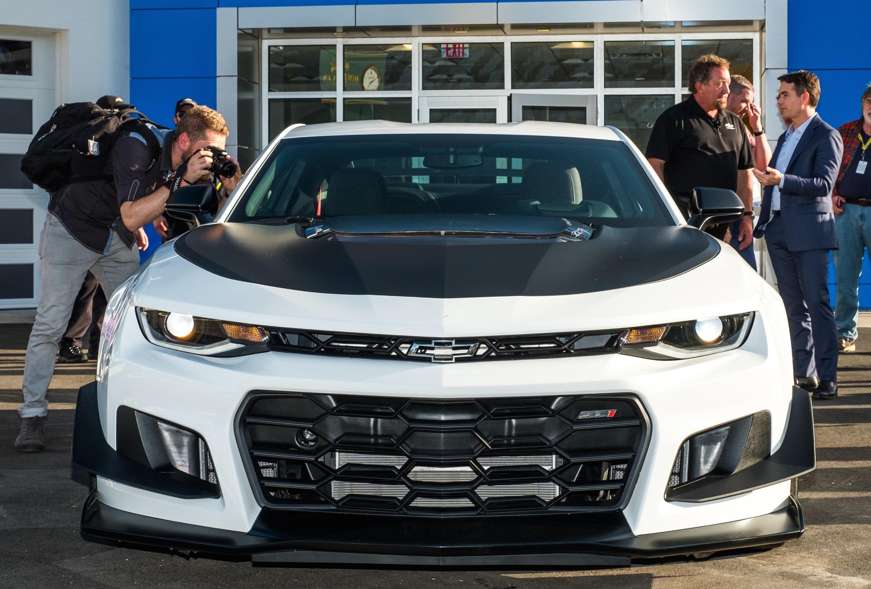 Track-Ready 2018 Camaro ZL1 1LE Debuts at Daytona Speedway ...