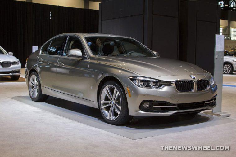 CAS 2017 BMW 330e