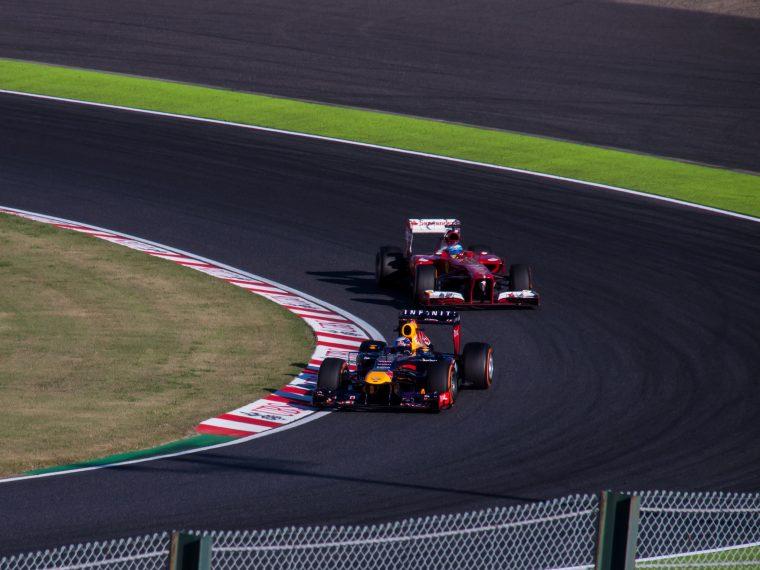 Alonso chasing down Vettel