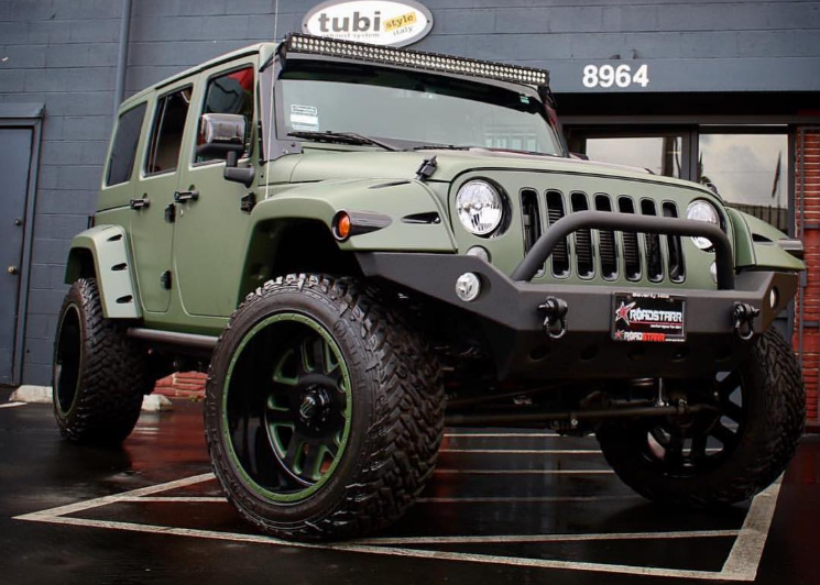 Amber Rose Army Green Jeep | The News Wheel