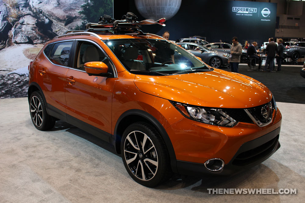 pricing announced for 2017 nissan rogue sport the news wheel