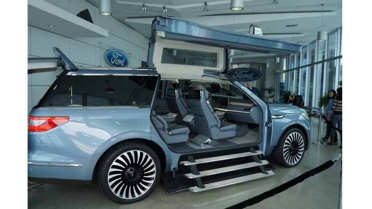 Lincoln Navigator Concept at Ford of Canada HQ