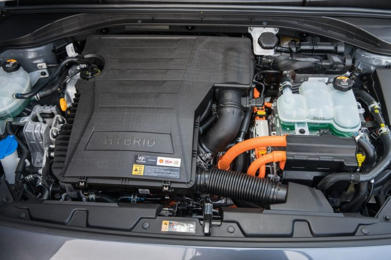 2017 Hyundai Ioniq hybrid car EV overview model information pictures engine performance