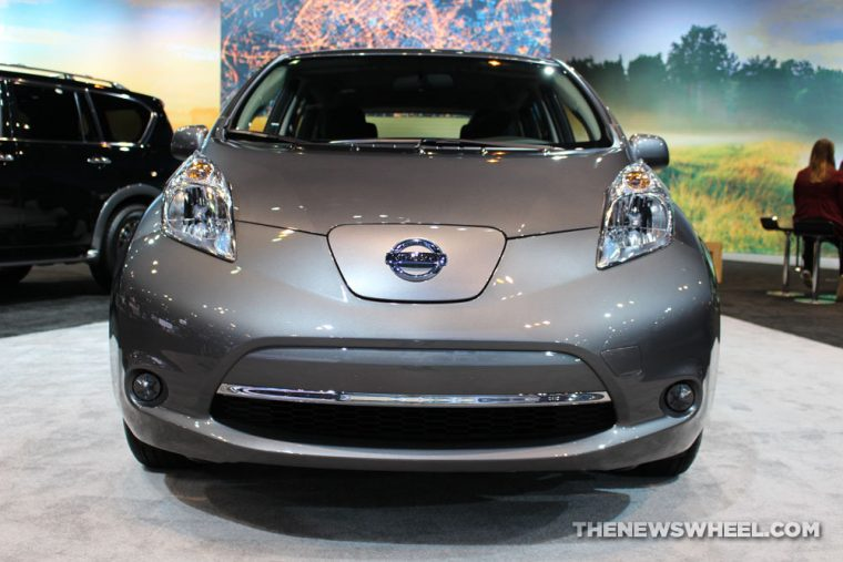 front view of a silvery grey 2017 Nissan Leaf