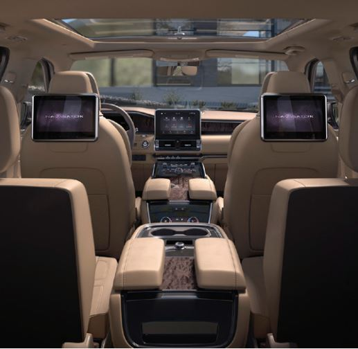 2018 Lincoln Navigator rear-seat entertainment