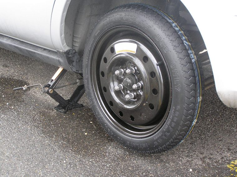 car spare tire wheel small size replace jack