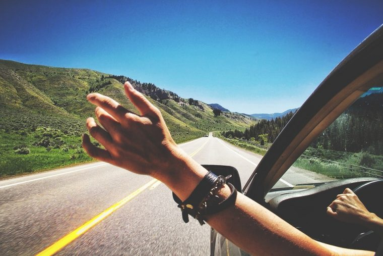 Best Podcasts of 2017 to Listen to on Road Trips