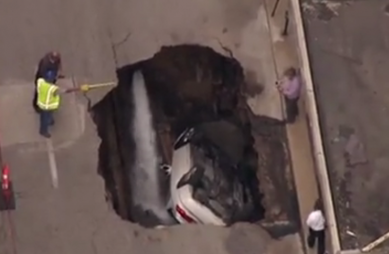 Yup, that's a hole all right St Louis sinkhole