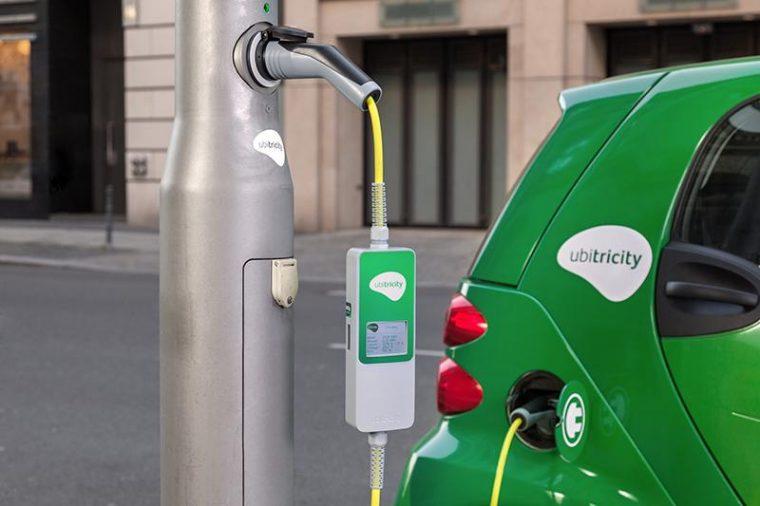 Ubitricity street lamp charging