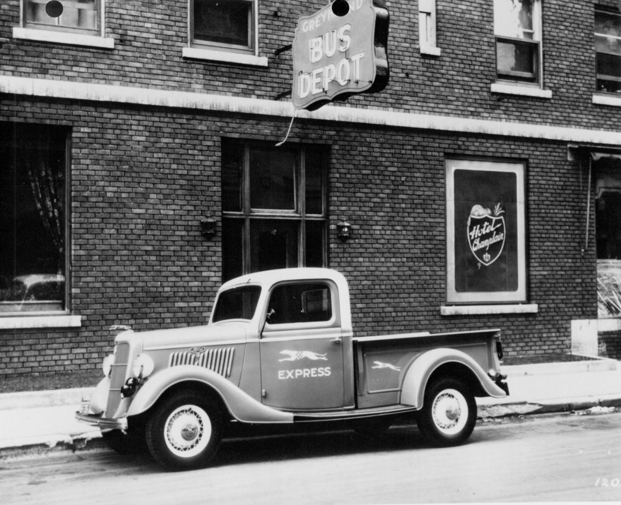 1935 Ford Model 50 Greyhound