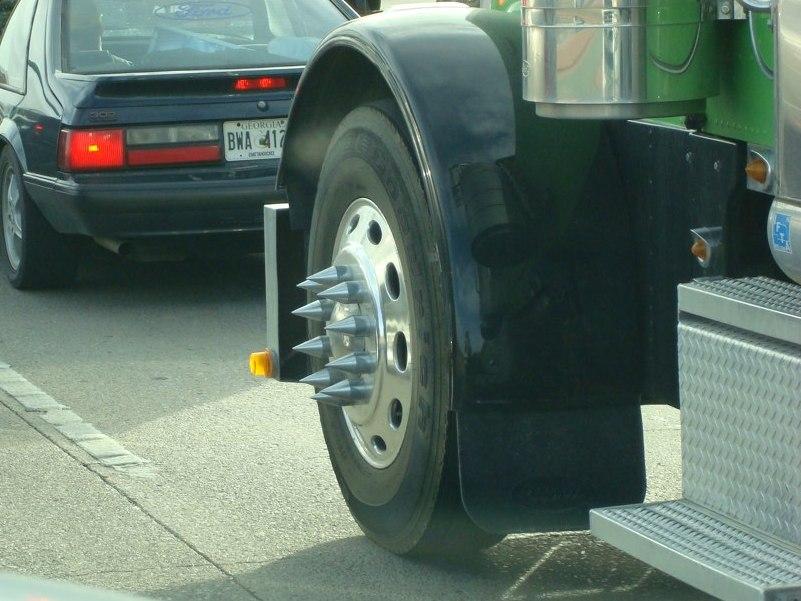 Semi Truck Hub Caps : Semi truck hubcap spikes decorative or dangerous the
