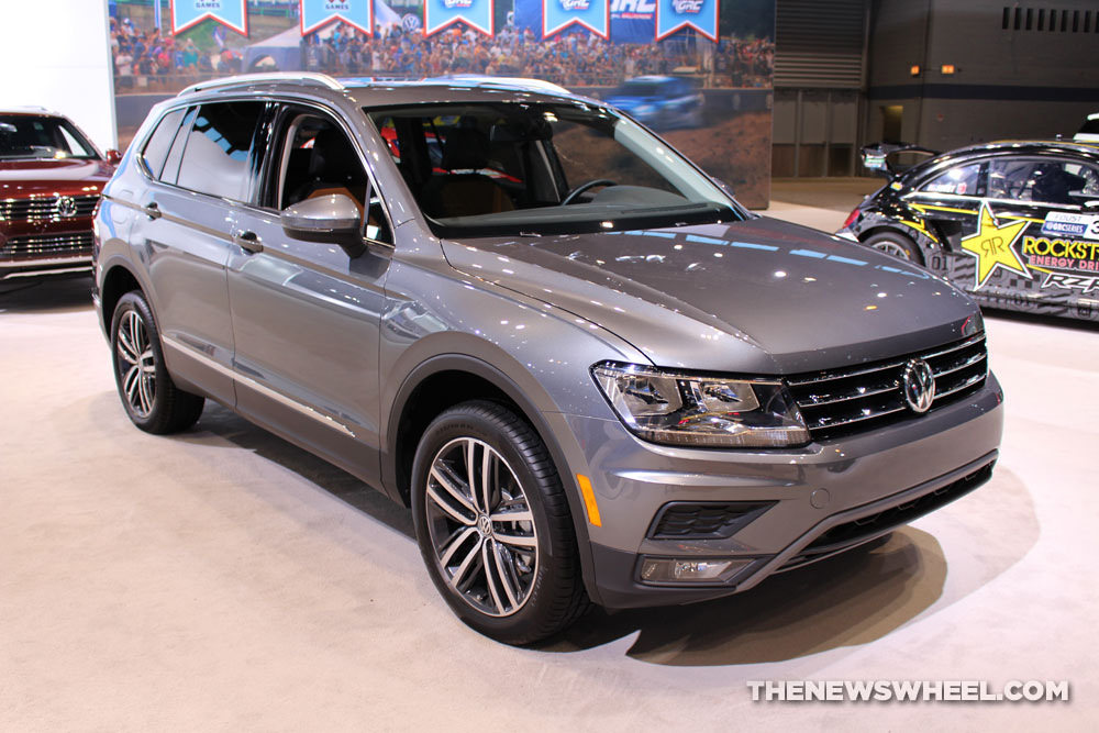 2018 volkswagen tiguan earns bragging rights as 2017 s best compact suv the news wheel. Black Bedroom Furniture Sets. Home Design Ideas