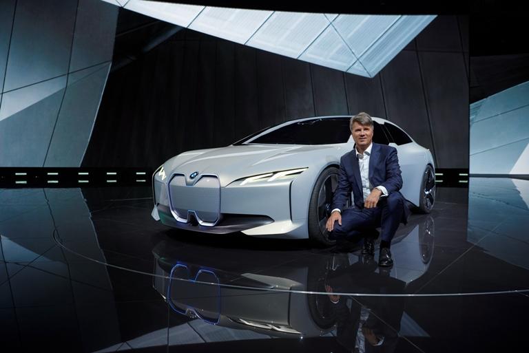 bmw reveals its i vision dynamics concept at the frankfurt motor show