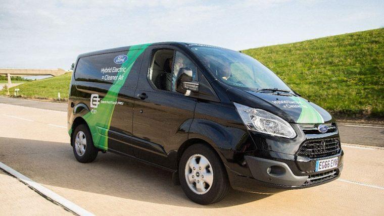 Ford Tourneo Custom Plug-in Hibrit Van ile ilgili görsel sonucu