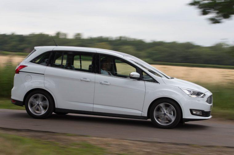 Best Used Minivan >> 3 Best Value Used Uk Minivans The News Wheel