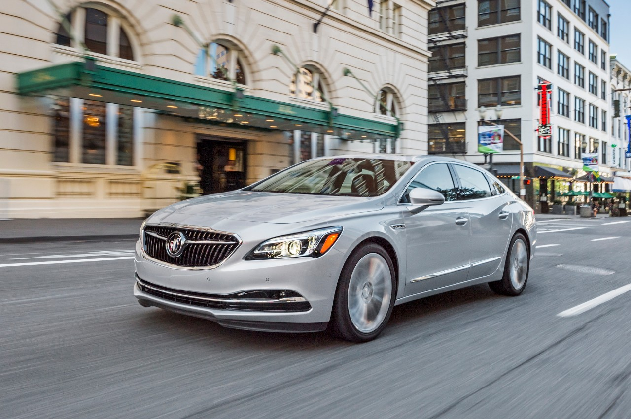2018 Buick LaCrosse Overview - The News Wheel