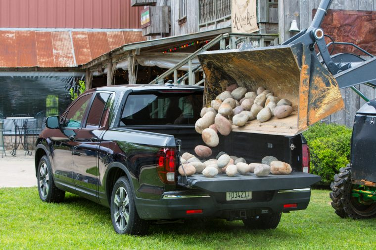 2018 Honda Ridgeline compact pickup truck overview details hauling towing performance capacity
