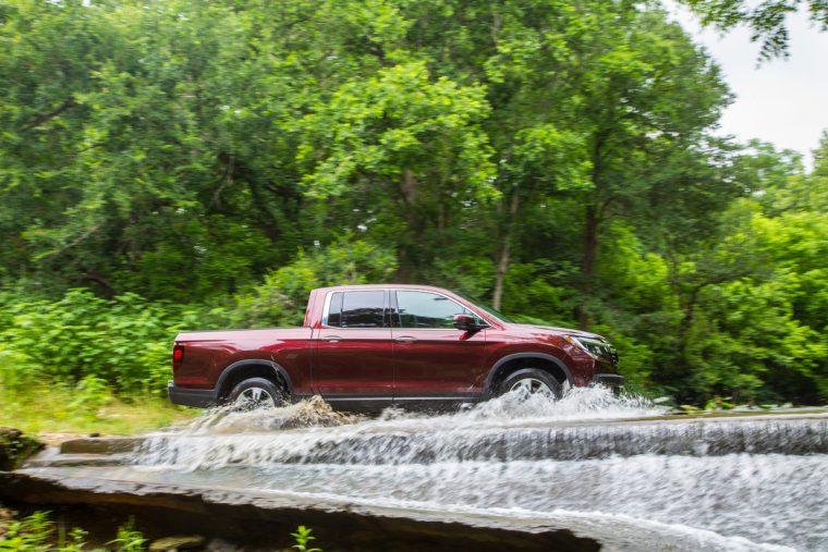 2018 Honda Ridgeline compact pickup truck overview details water driving