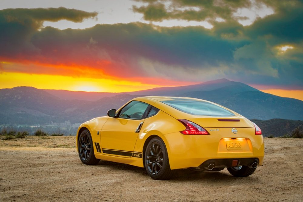 2018 Nisan 370Z coupe why buy a coupe