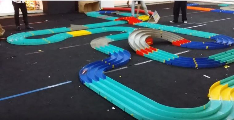 mini-4WD racing track