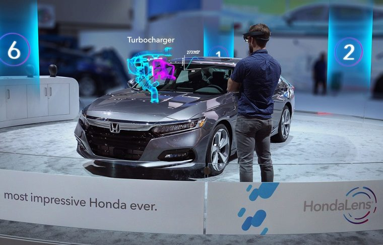 Honda Debuts HondaLens Augmented Reality at the 2017 Los Ange