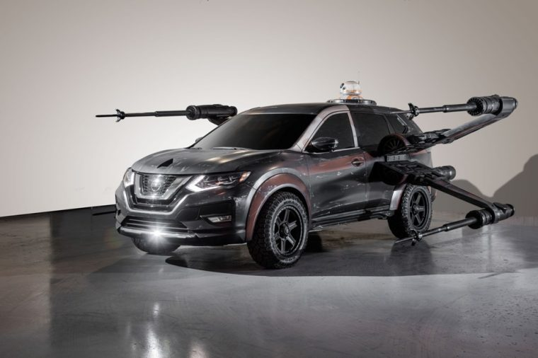 2018 Nissan Rogue – Poe Dameron's X-wing with BB-8