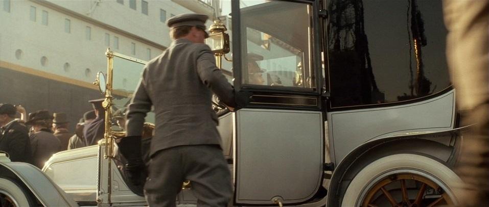 1912 Renault Enclosed Limousine 2