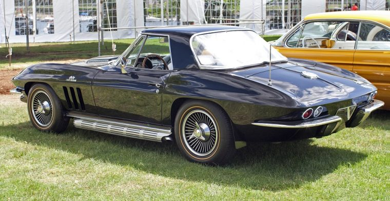 1966 Chevrolet C2 Corvette Roadster Hardtop black