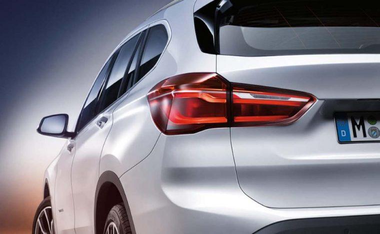 2018 BMW X1 sDrive28i overview model specs details features car rear bumper trunk
