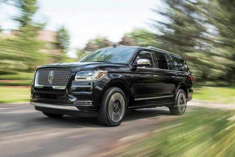 2018 Lincoln Navigator Model Overview family luxury SUV specs features details colors body style