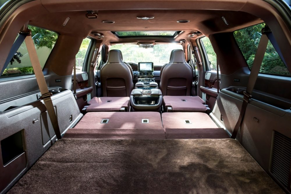 2018 Lincoln Navigator Model Overview family luxury SUV specs features details fold flat cargo storage