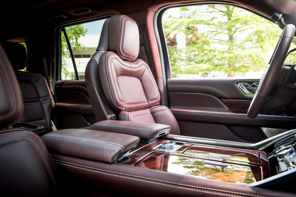 2018 Lincoln Navigator Model Overview family luxury SUV specs features details front seats heated cabin
