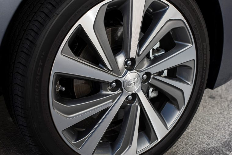 2018 Hyundai Accent overview subcompact car model features specs exterior photo tire wheel