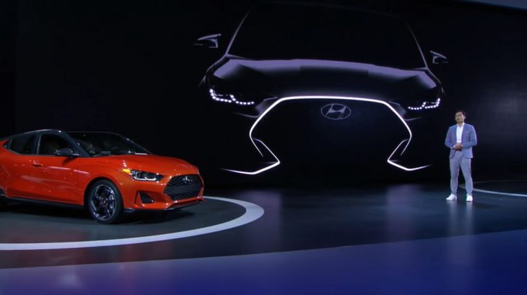 2019 Hyundai Veloster debut unveil at 2018 North American International Auto Show NAIAS press conference in Detroit model updates engine specs (3)