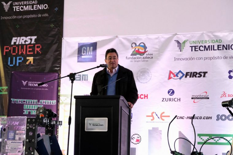 GM Mexico supporting student teams in FIRST competition