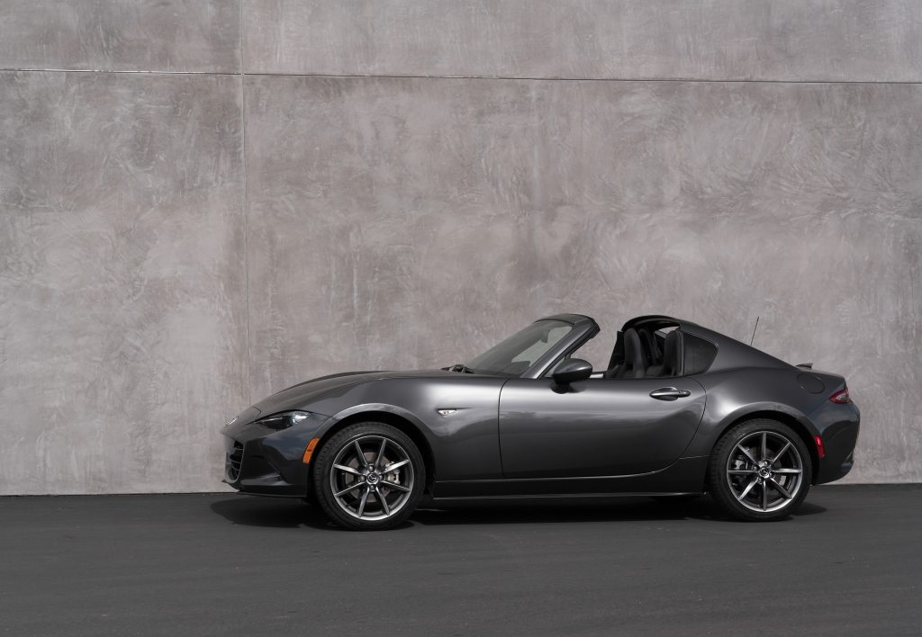 mazda announces small upgrades and price bump for 2018 mx 5 rf at chicago auto show the news wheel. Black Bedroom Furniture Sets. Home Design Ideas