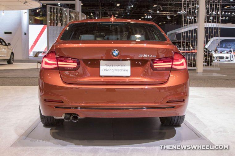 2018 BMW 330e iPerformance 3 Series Chicago Auto Show CAS