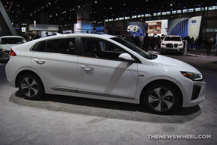 2018 Hyundai Ioniq plug-in electric car Chicago Auto Show (3)