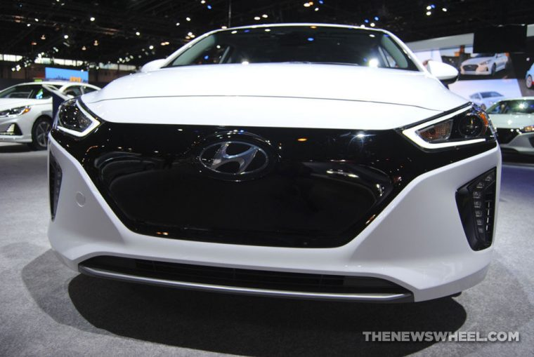 2018 Hyundai Ioniq plug-in electric car Chicago Auto Show (4)