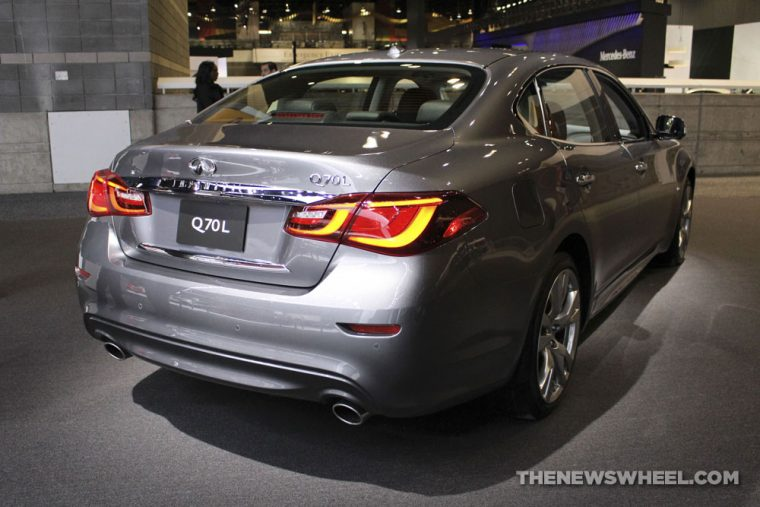 2018 INFINITI Q70L Chicago Auto Show CAS