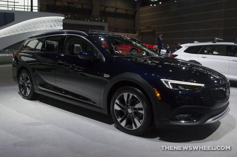 Chicago Auto Show - 2018 Buick Regal TourX