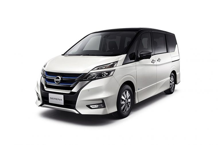 Nissan Serena e-POWER van in white
