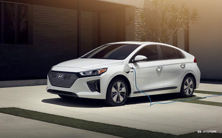 Hyundai Accent Mpg >> 2018 Hyundai Ioniq Plug-in Hybrid Overview - The News Wheel